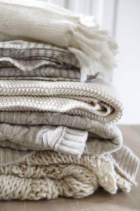 Autumn Interior Decor tips for Fall decor, interior decor ideas to steal! :) Cozy autumn blankets