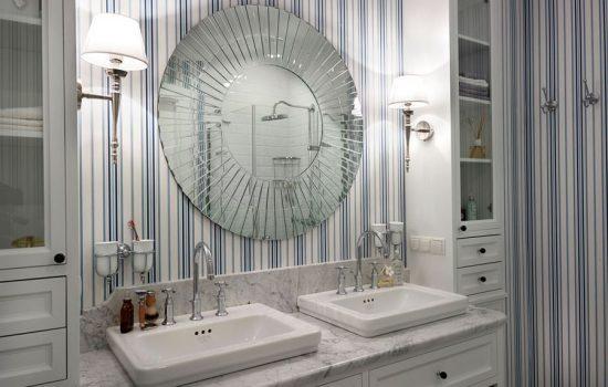 Jak zaaranżować łazienkę, zapewniając odpowiednie doświetlenie?