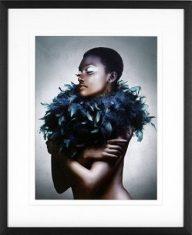 Fotografia Woman with Feathered Scarf J. Lauren 70x85cm
