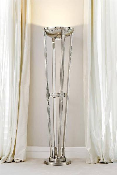Lampa podłogowa Eichholtz w designerskim wnętrzu